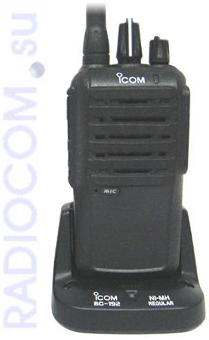Icom IC-F3003 - носимая рация